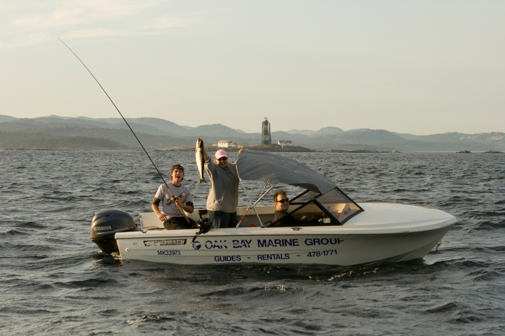 Oak-Bay-Marine-Group-charter-2
